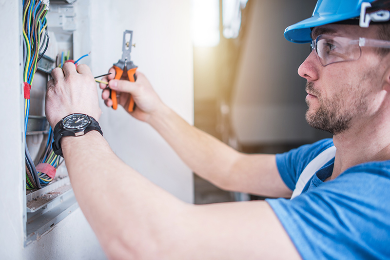 Electrician Qualifications in Northampton Northamptonshire